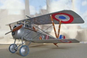 Nieuport 17 model kit
